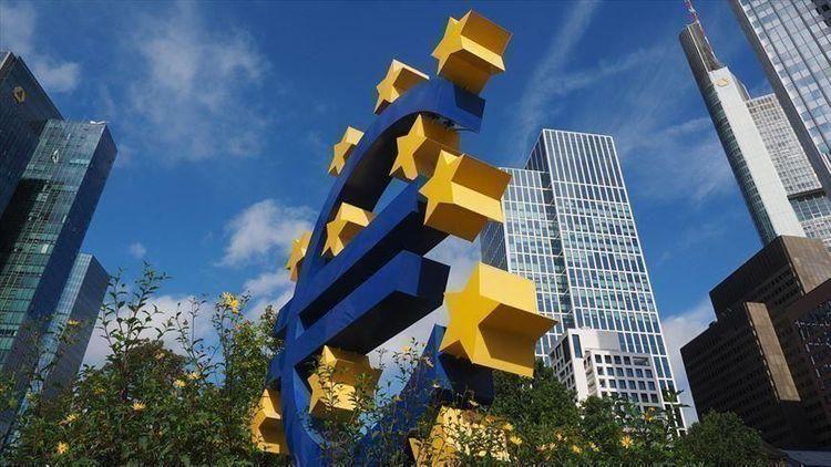 EU economy narrows 11.4% in 2nd quarter