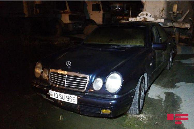 Abşeron rayonunda avtomobil yoldan çıxaraq arakəsməyə çırpılıb - <span class='red_color'>FOTO</span>