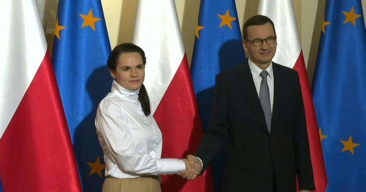 Belarus opposition leader Svetlana Tikhanovskaya meets Polish PM