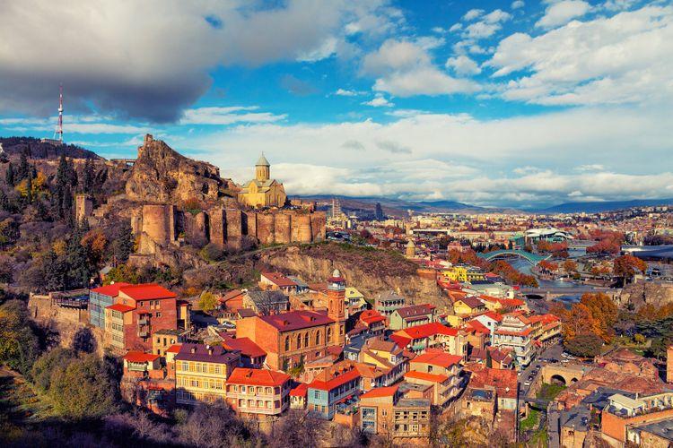 Gürcüstanın turizm gəlirləri 1,8 mlrd. dollar azalıb