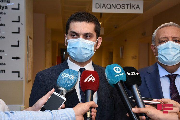 Представители Министерства юстиции и TƏBİB вместе с врачом навестили Тофига Ягублу  - <span class=
