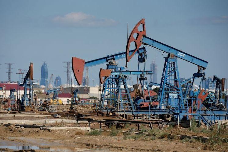 Price of Azerbaijani oil approaches USD 44
