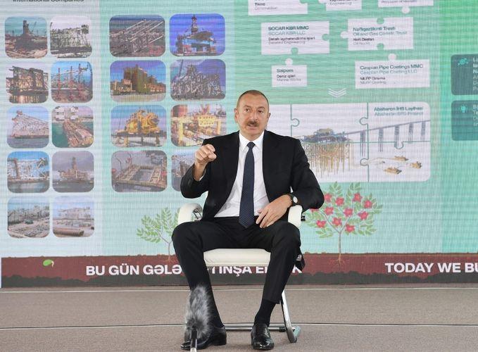 Президент Азербайджана: Привозить откуда-то людей и расселять их на оккупированных землях – преступление