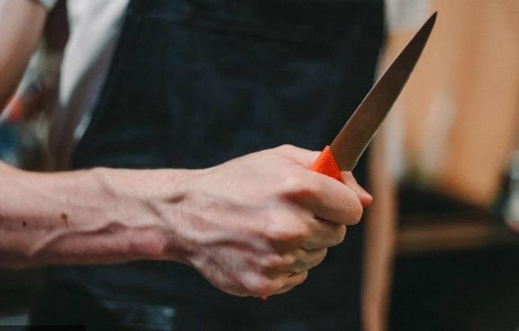 Sumqayıtda dayı bacısı oğlunu bıçaqlayıb