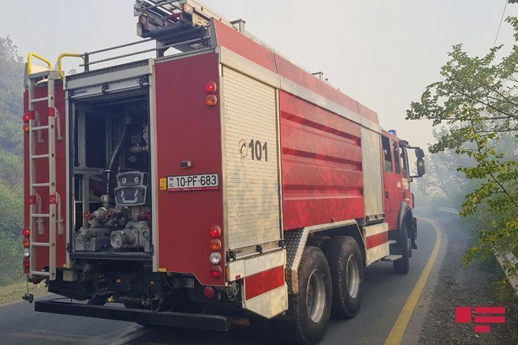 В Баку в ресторане произошел пожар