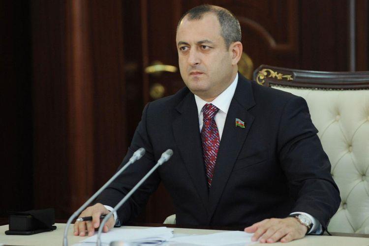 """Adil Əliyev: """"Biz rəsmi məlumatların təbliği ilə məşğul olmalıyıq"""""""