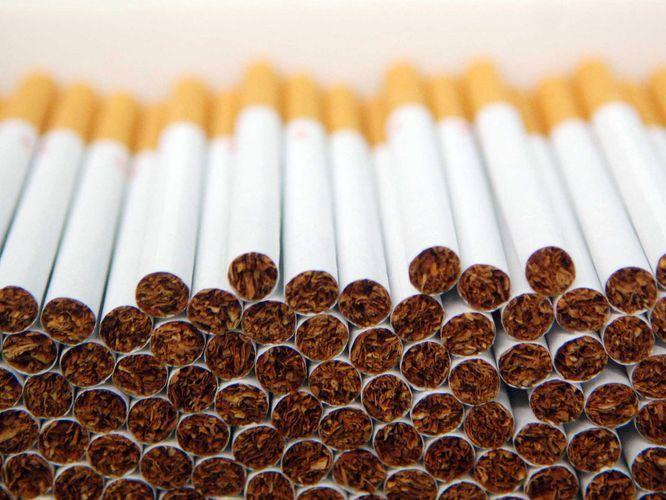 Грузия резко сократила экспорт сигарет в Азербайджан