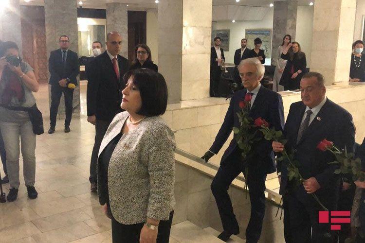 Председатель Милли меджлиса Азербайджана находится с визитом в России - <span class=
