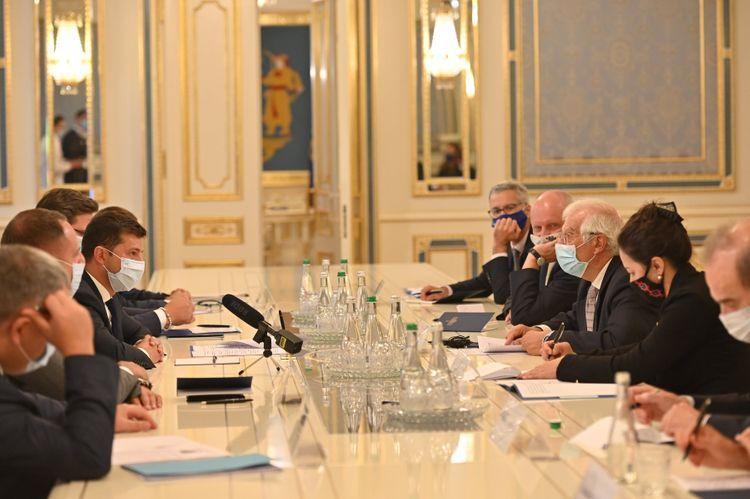 Josep Borrell meets with Ukrainian President