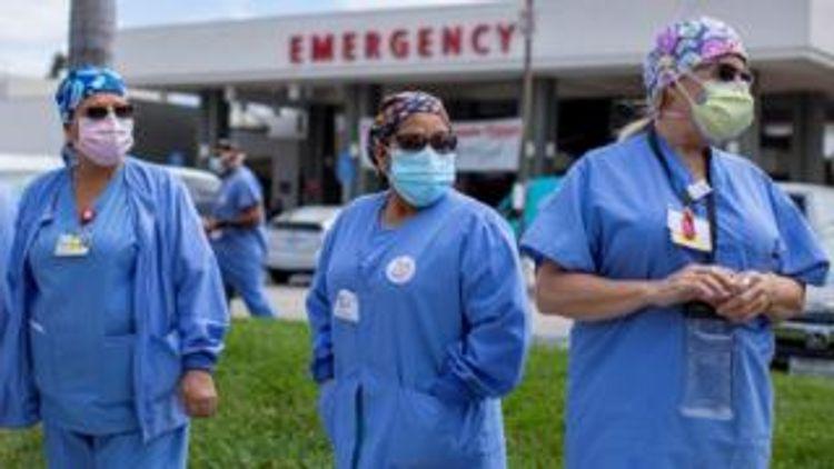 US coronavirus death toll passes 200,000