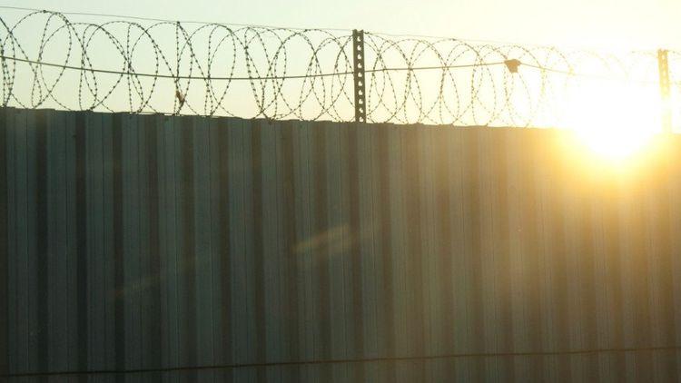 В Дагестане шестеро заключенных сбежали из колонии, сделав подкоп