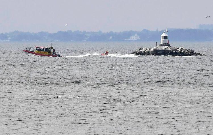 Российское военное судно столкнулось с контейнеровозом у берегов Дании