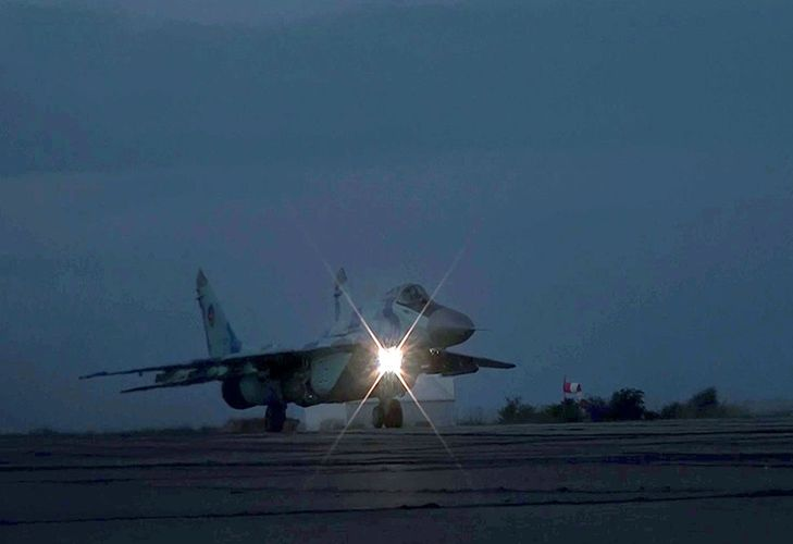 Azerbaijani MoD: Air Force hold night exercises - VIDEO