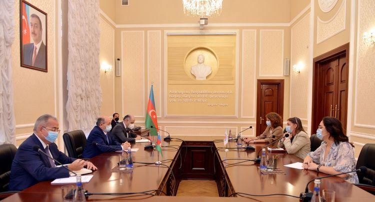 Министр юстиции встретился с новым руководителем представительства МККК в Азербайджане