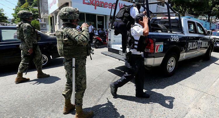 Meksikada 43 tələbənin itkin düşməsində günahlandırılan polis və hərbçilər həbs edilib