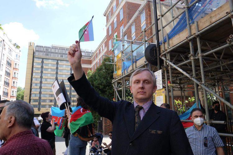 British journalist condemned the killing of Azerbaijani civilians by Armenians