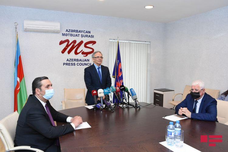 """Əflatun Amaşov: """"İndiyədək peyvənd olunmaq istəyən 200-dək jurnalistin siyahısı təqdim olunub"""