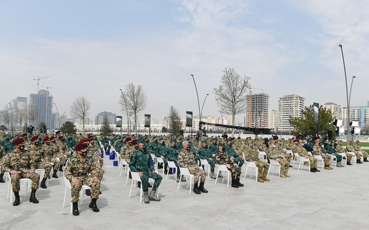 Prezident İlham Əliyev Bakıda Hərbi Qənimətlər Parkının açılışında iştirak edib - <span class='red_color'>YENİLƏNİB-2</span>
