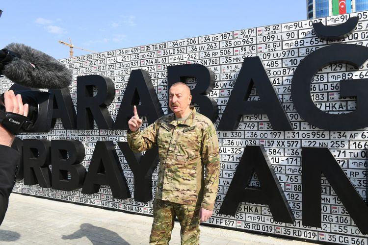 """Azərbaycan Prezidenti: """"Bu lövhə erməni fərariliyinin təzahürüdür"""""""