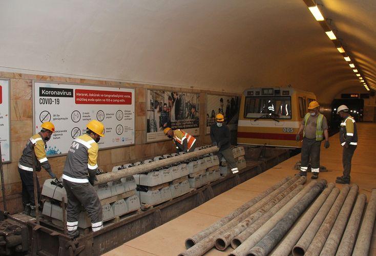 Bakı metrosunda ağac şpallar dəmir-beton bloklarla əvəzlənir - <span class='red_color'>FOTO</span>