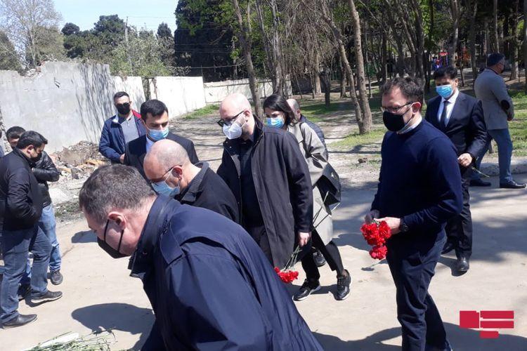 Members of Italian Senate visit area shelled by Armenia in Ganja  - <span class=