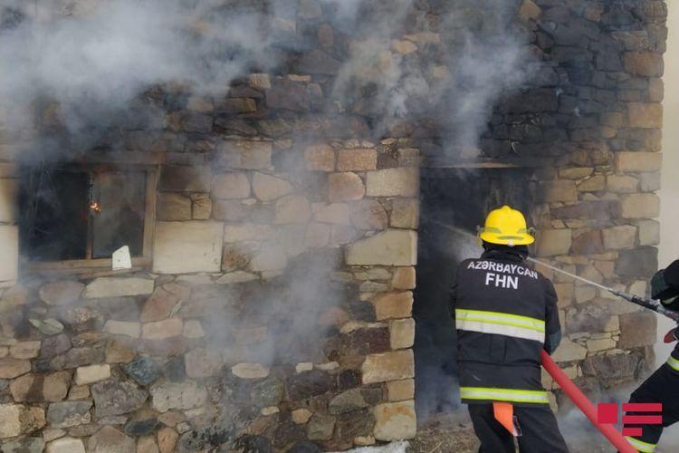 В Евлахе в доме произошел пожар, погибла 53-летняя женщина
