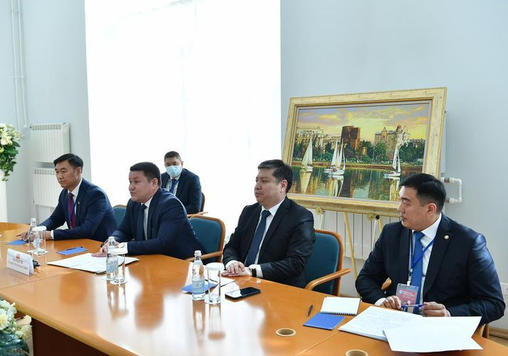 Chair of Milli Majlis Sahiba Gafarova Met with Chair of Kyrgyz Parliament