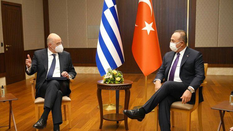 Türkiyə və Yunanıstan XİN başçıları görüşüb