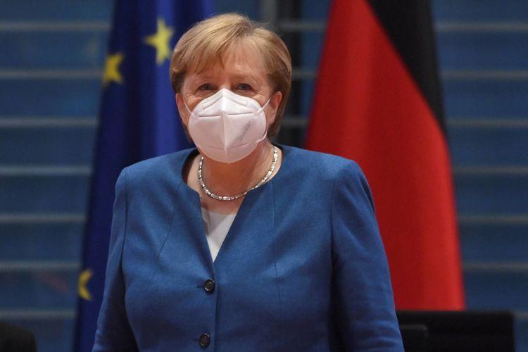 """Merkelə """"AstraZeneca"""" peyvəndi vurulub"""