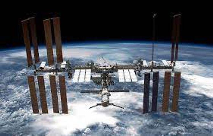 ISS three crewmembers return to Earth