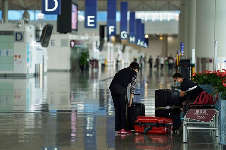 Hong Kong bans flights from India, Pakistan and the Philippines for 2 weeks