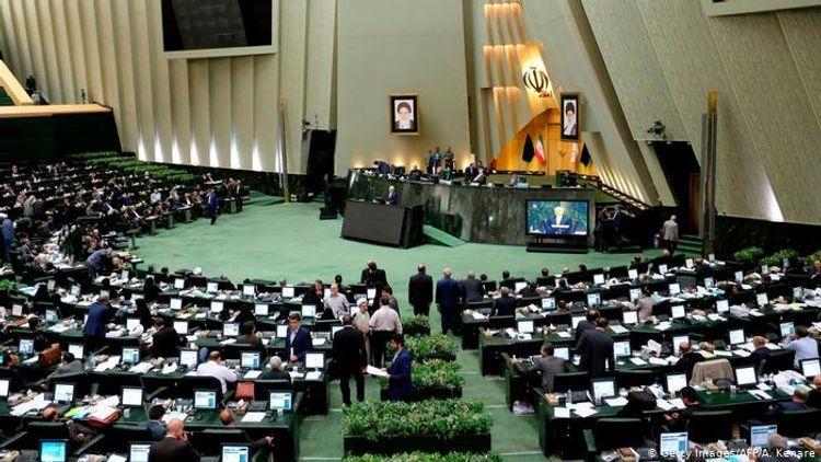 İran parlamenti koronavirusa görə iki həftəlik tətilə çıxıb