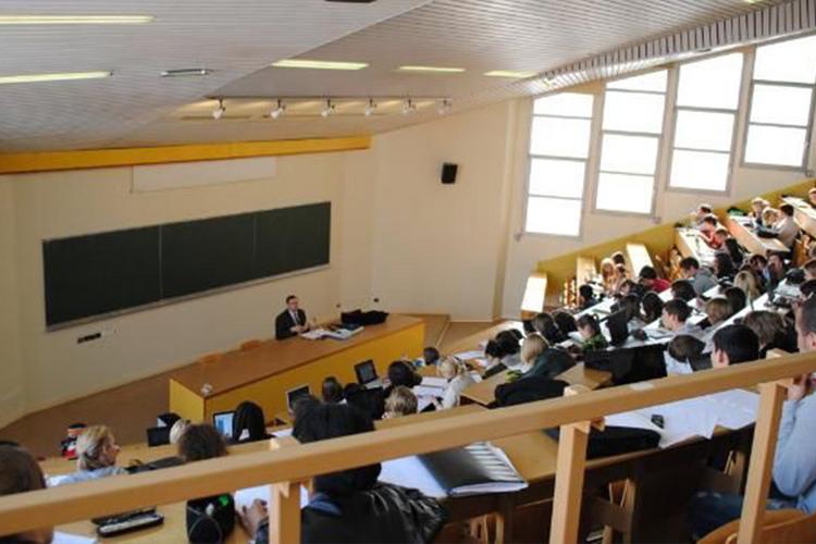 Universitetlərin hazırlıq qruplarında müharibə iştirakçılarının təhsili dövlət hesabına həyata keçiriləcək
