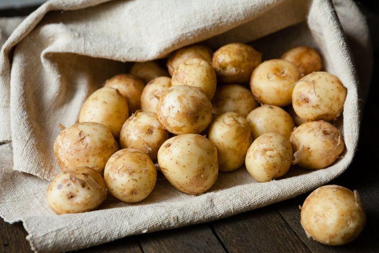 Azerbaijan doubled potato import from Iran this year