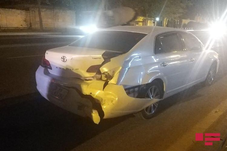 В Баку участники ДТП избили виновника аварии  - <span class=