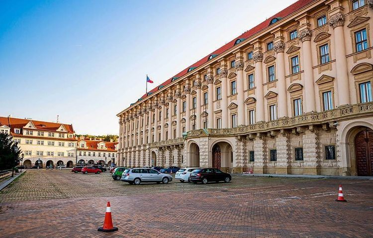Prague demands Russia cut number of diplomats to match that of Czech staff in Moscow
