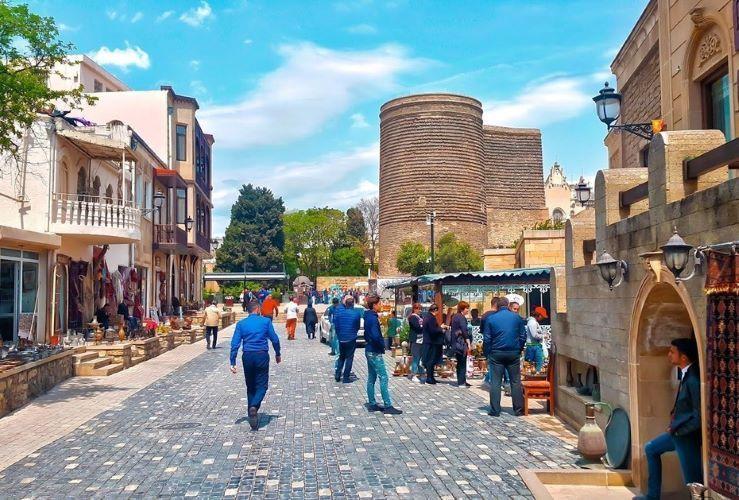 КПА: С июня этого года в туристическом секторе Азербайджана ожидается оживление