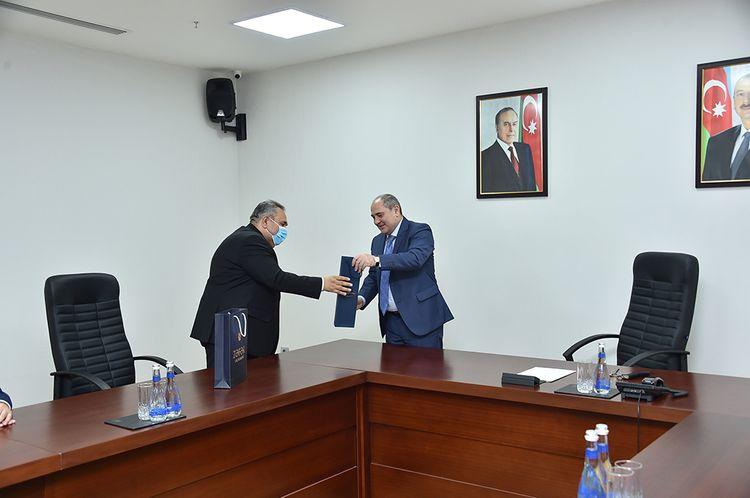"""Tahir Budaqov """"Çernobıl Əlilləri İttifaqı"""" İB İdarə Heyətinin üzvləri ilə görüşüb"""