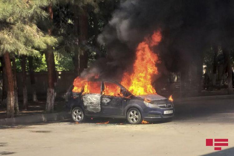 Ağdaşda avtomobil yanıb
