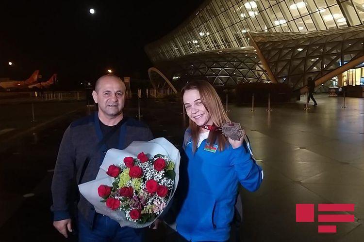 Восьмикратная чемпионка Европы Мария Стадник вернулась в Баку - <span class='red_color'>ФОТО</span>
