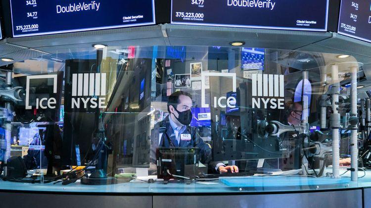 European markets flat; investors focus on busy week of data, earnings