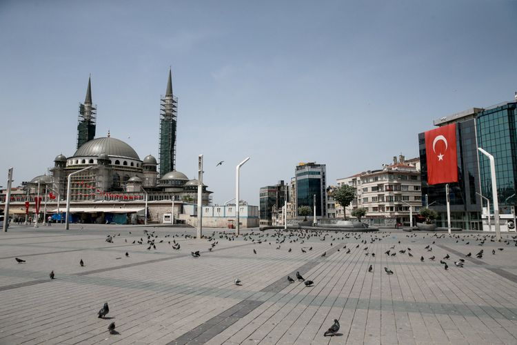 Turkey announces full lockdown starting Thursday