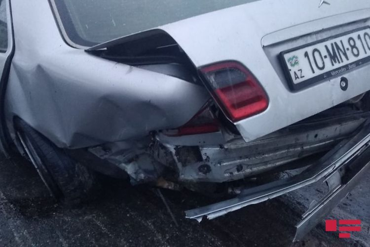 В Бейлагане столкнулись автомобили, есть погибший