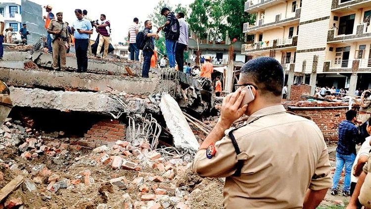 House collapse kills 5 in India