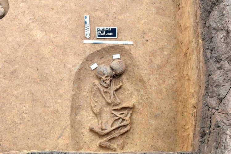 Over a hundred burials of Predynastic and Hyksos eras found in north Egypt