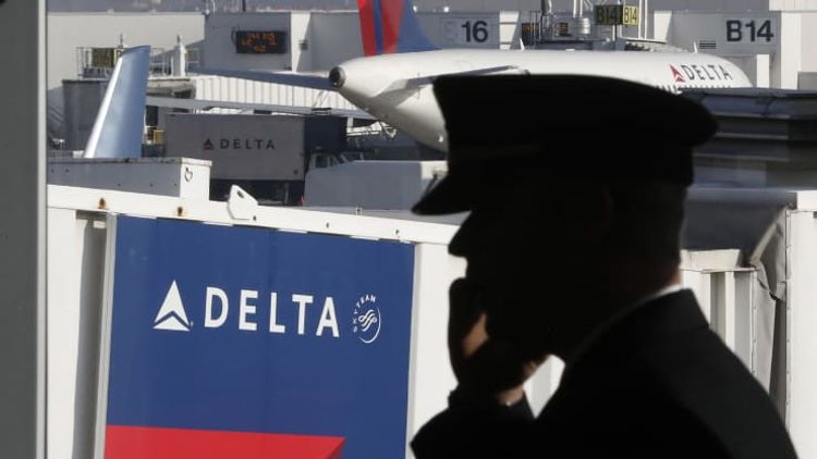 Delta to resume hiring pilots in June as travel demand recovers
