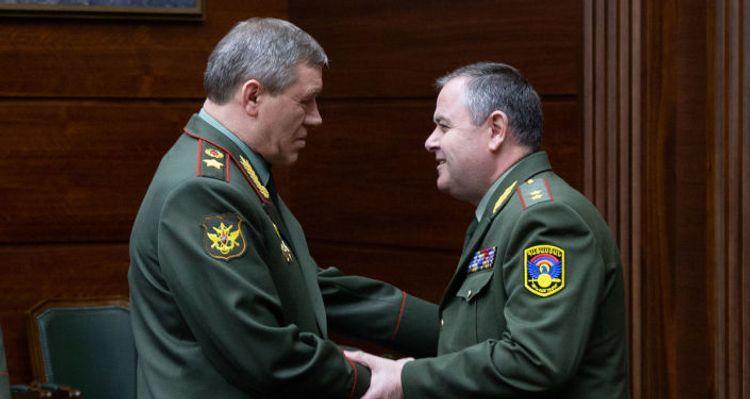 Главы Генштабов РФ и Армении провели встречу в Москве