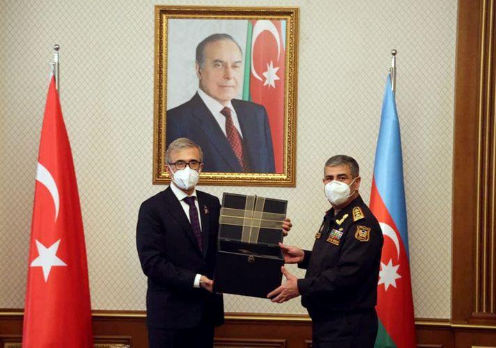 Zakir Həsənov Türkiyə müdafiə sənayesini təmsil edən nümayəndə heyəti ilə görüşüb