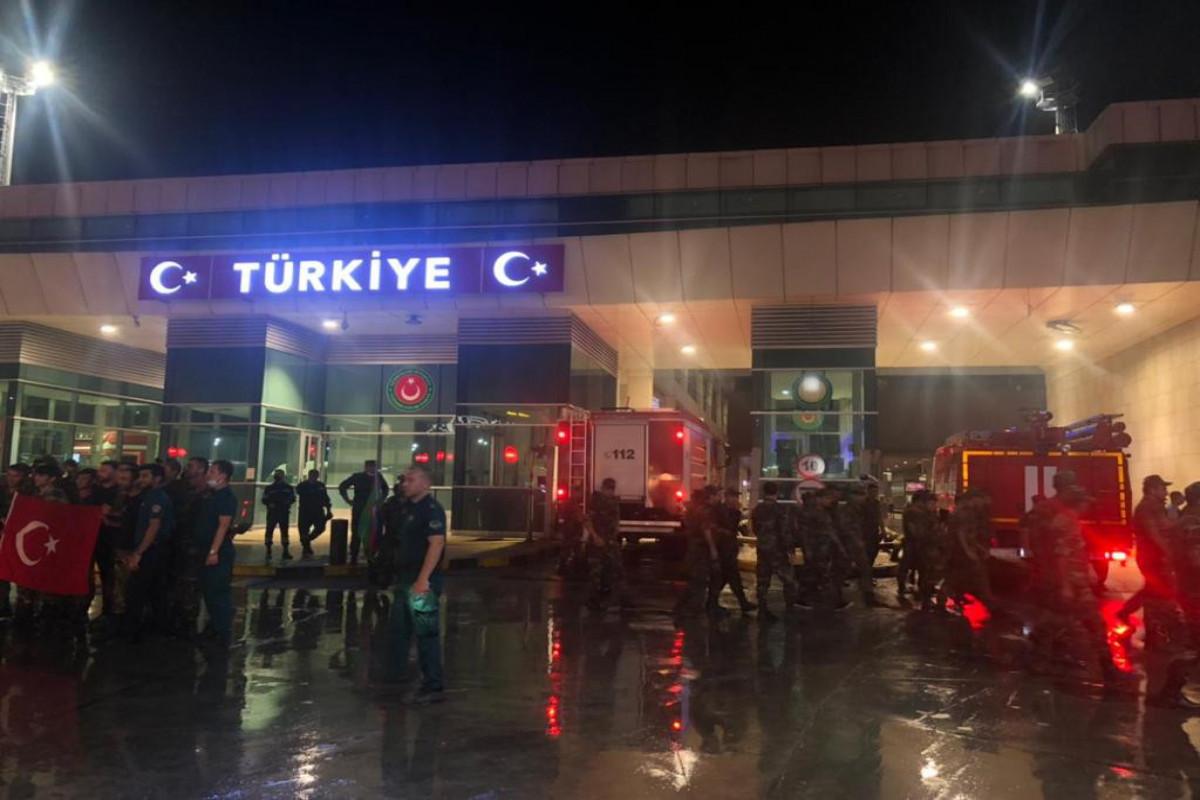 Очередная группа азербайджанских пожарных прибыла в Турцию для борьбы с лесными пожарами-ФОТО -ВИДЕО