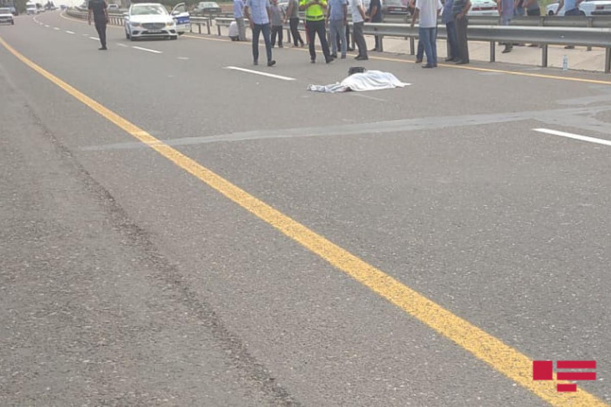 """Goranboyda 63 yaşlı qadını avtomobil vuraraq öldürüb - <span class=""""red_color"""">FOTO"""